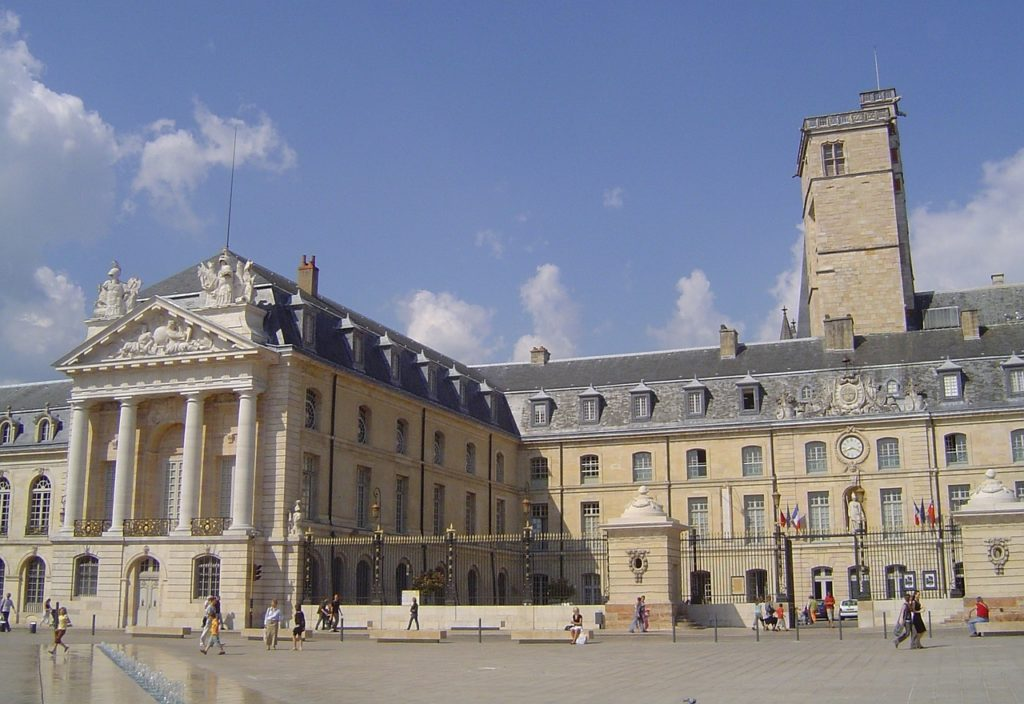 beautiful cities to visit in France