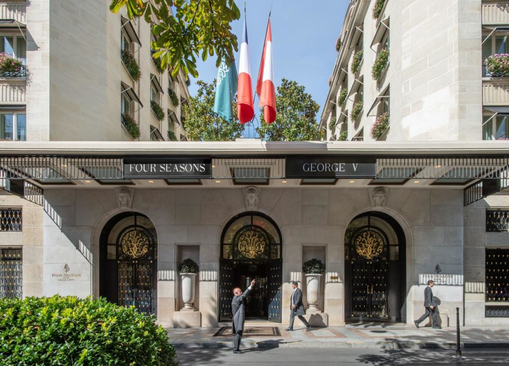 luxurious hotels in Paris