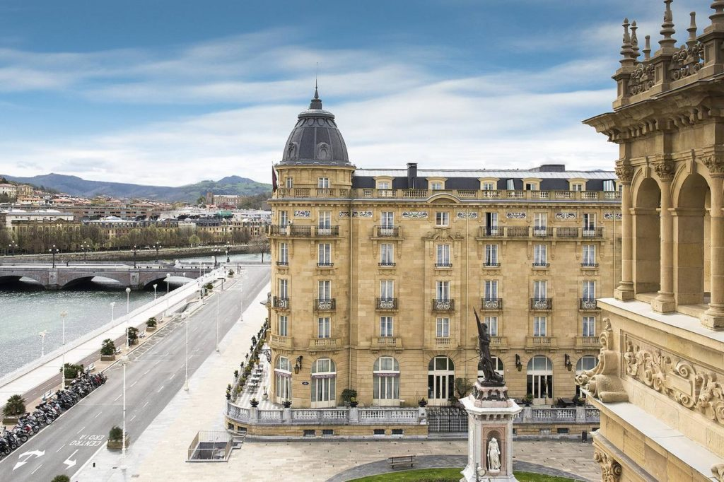 7 Luxurious Hotels in Spain
